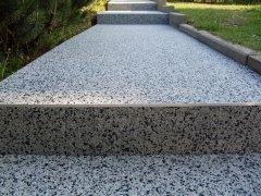 escalier en moquette de pierre blanc noir