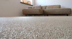 un tapis de pierre dans votre salon